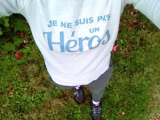 sweatshirt je ne suis pas un héros - collection deux amours